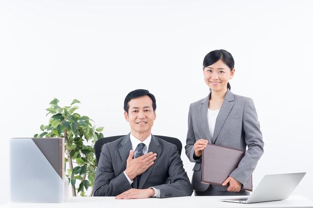 男女の弁護士の画像